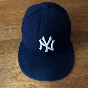 Like new Yankees fitted cap